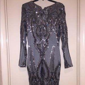 Dresses & Skirts - Pewter dress w sequins and ornate stitching 10/12